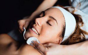 Tratamiento-estético-de-peeling en clinica estetica Mediestetic