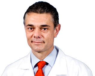 Manuel-Villanueva-Traumatologo-especialista-protesis-cadera-y-rodilla